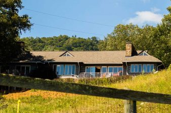 creekside-inn-clyde-nc-bed-and-breakfast-back-02