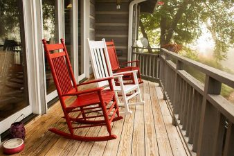 creekside-inn-clyde-nc-bed-and-breakfast-porch